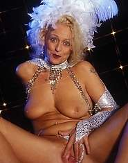 Showgirl granny spreads for all to see