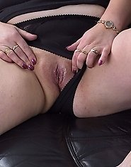 Chubby housewife playing with herself