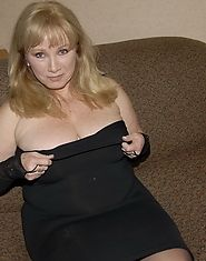 Big titted mature mom lurking on a massive cock