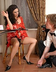 Milf with hot bod gives a waiter a taste of her mature box and gets on top